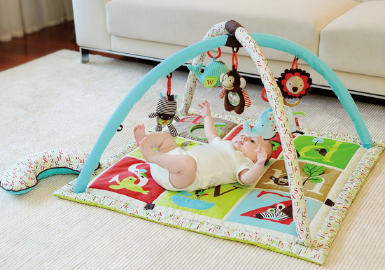 Recommended toys for 1 month old newborns